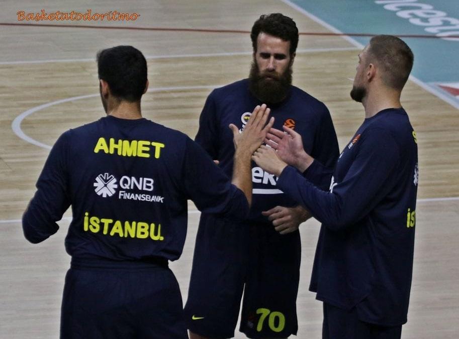 Euroleague: Un brutto Fenerbahçe rimonta e vince a Berlino; bene Gigi Datome