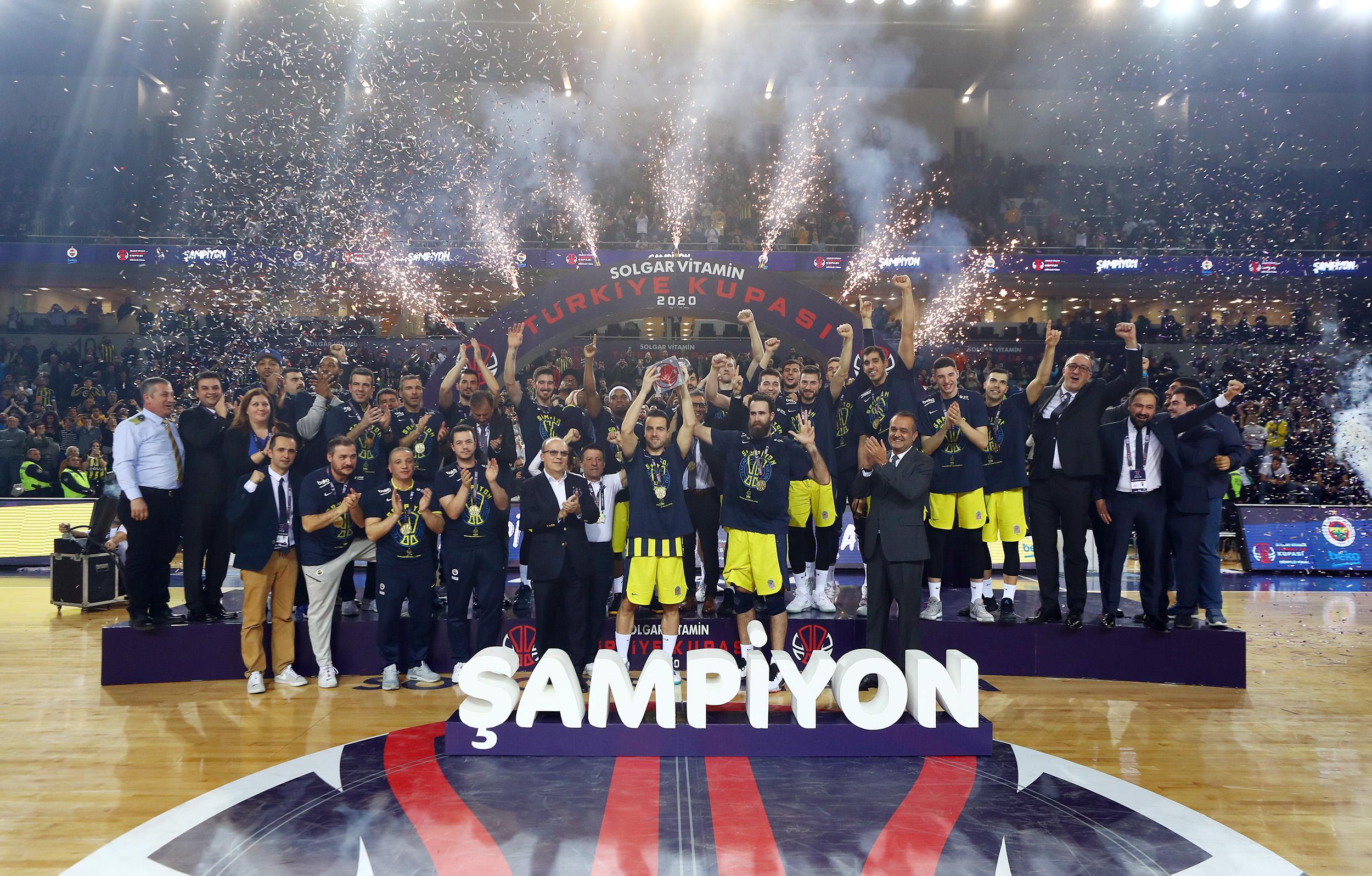Italy in Europe: Il Fenerbahçe riassapora il trionfo, vince la Coppa con un gran Gigi Datome