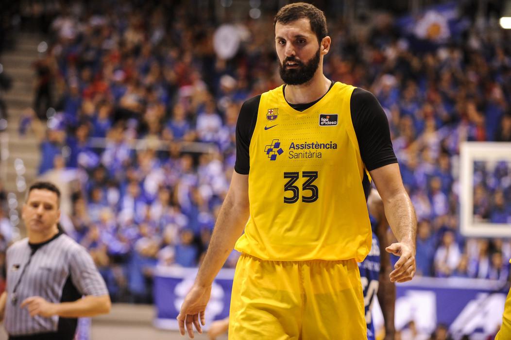 Barcelona, Nikola Mirotic positivo al Covid-19