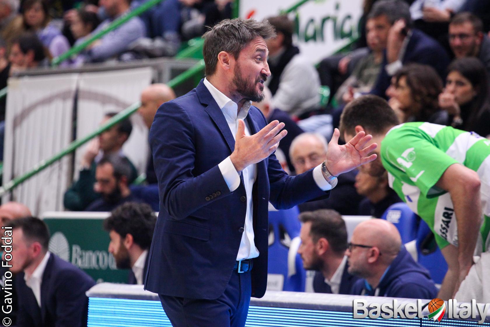 Dinamo Sassari: Gianmarco Pozzecco espulso per proteste nel terzo quarto