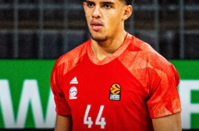 Sasha Grant, Bayern Monaco, 2020-11-06