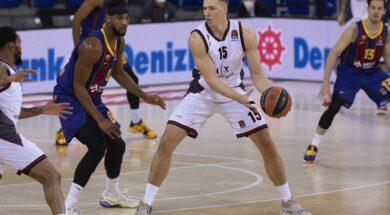 Kaleb Tarczewski, Barcellona, 2020-12-11 (2)