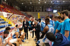 NAPOLI BASKET TIMEOUT