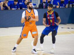 Bojan Dubljevic Brandon Davies, Barcelona, 2020-12-01