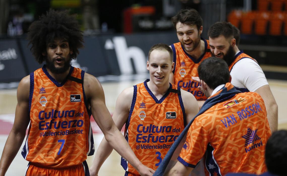 #EuroLeague – Incredibile a Valencia: il CSKA cade dopo 2 OT, career-high di James