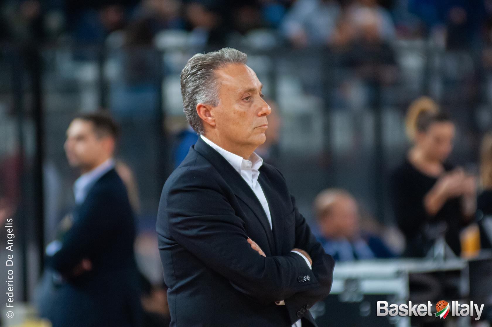 LBA – Cantù: Bucchi negativo al Covid, sarà in panchina contro Trento