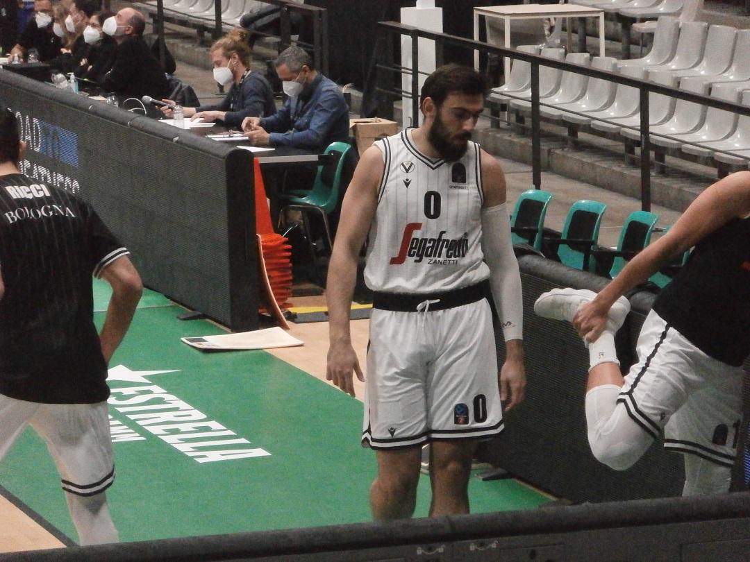 Virtus Bologna: Tessitori fuori un mese, con Trento out anche Weems