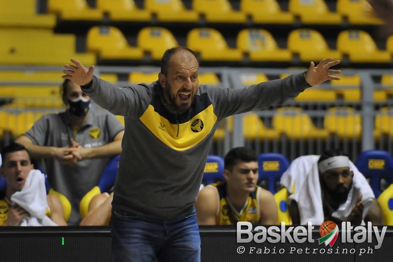 Coach Demis Cavina Reale Mutua Torino