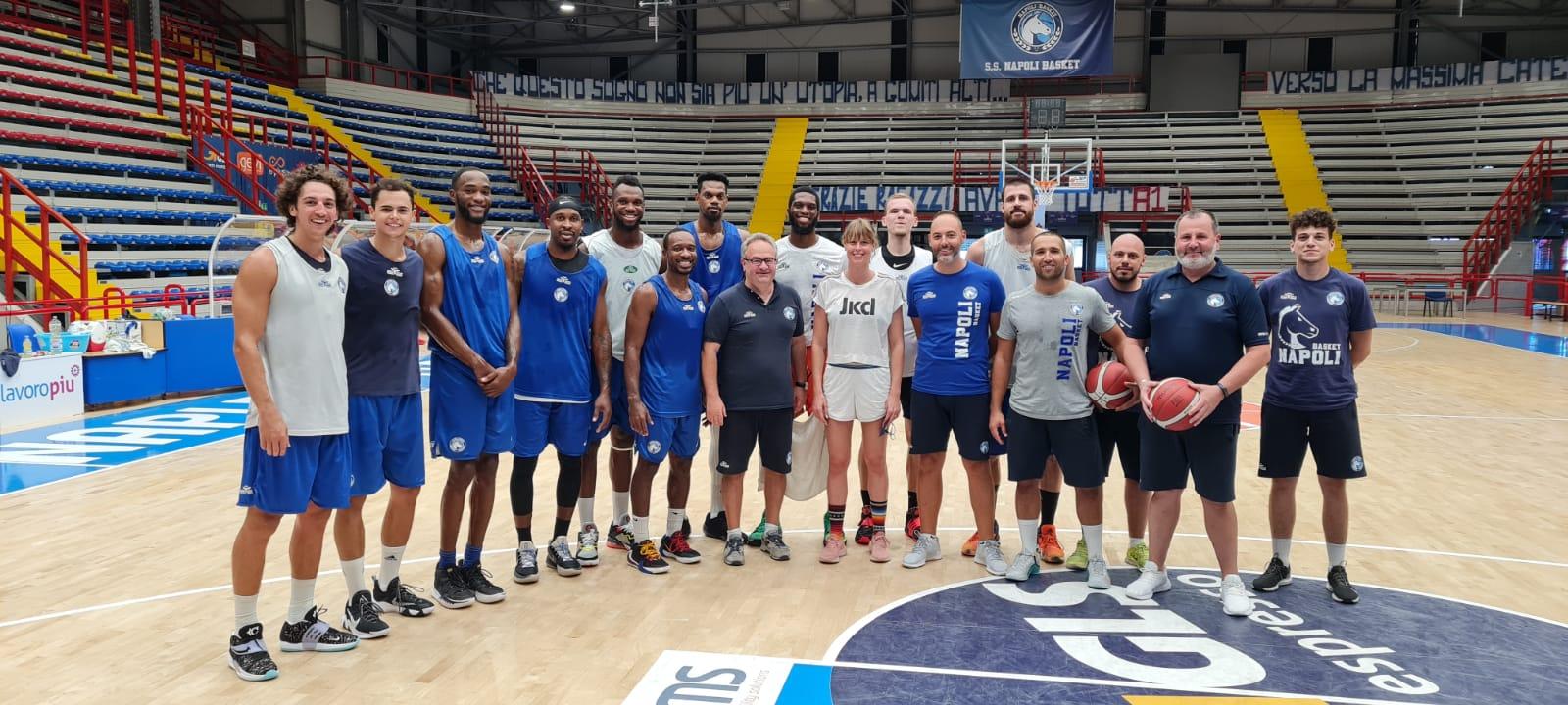 """GeVi Napoli, che sorpresa """"divina""""! Federica Pellegrini all'allenamento degli azzurri"""