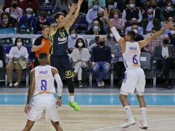 Achille Polonara, Madrid, 2021-10-21 (2)